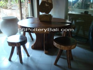 Round Wooden Table and Chair T015